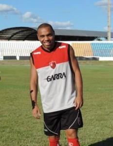Sadrak, meia de 25 anos, foi contratado pelo Guarany de Sobral depois de ganhar destaque no Guarani de Juazeiro (FOTO: Divulgação/Edinardo)