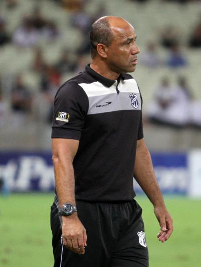 Sérgio Soares começa a pensar na equipe que mandará a campo na partida contra o Bragantino, na próxima sexta feira (10) na Arena Castelão. (Foto:Divulgação/CearáSC)