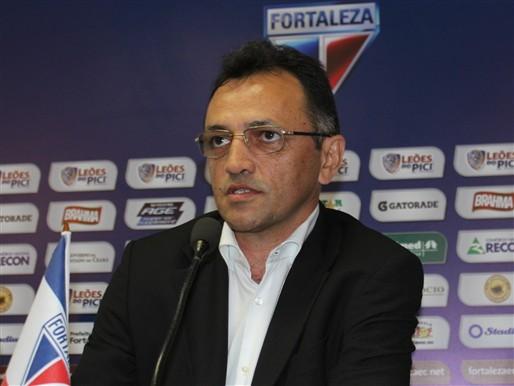 Adailton Campelo promete a permanência do técnico Marcelo Chamusca. (FOTO: Divulgação/Nodge Nogueira)