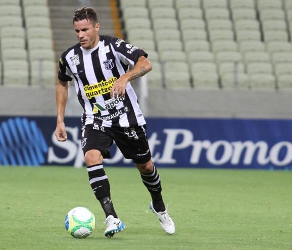 Michel foi titular no setor de meio-campo (FOTO: Divulgação/CearaSC.com)