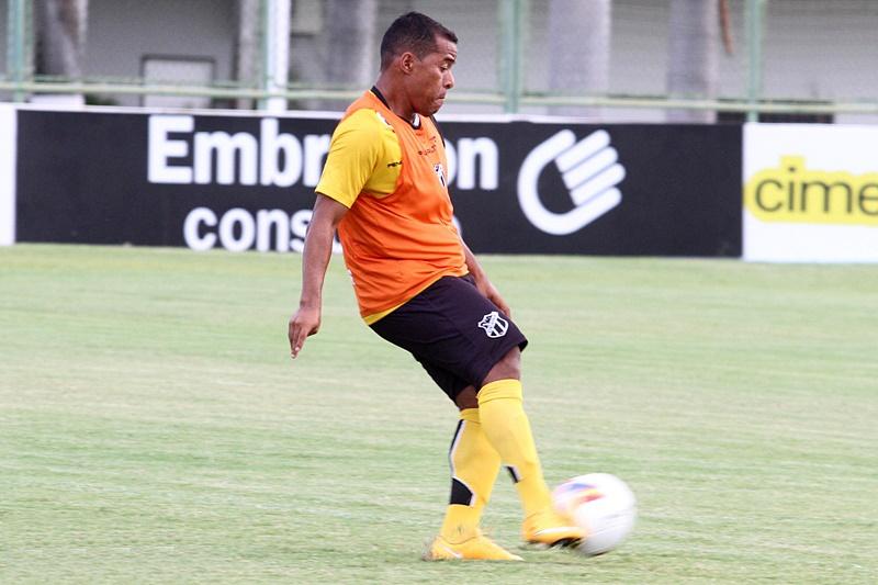 O meia Marcos Aurélio é uma das novidades do time titular Alvinegro. (Divulgação/CearáSC)