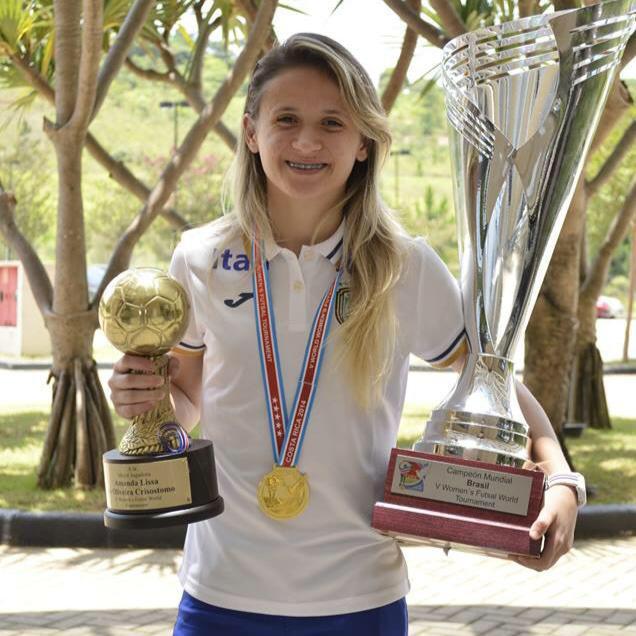 Amandinha foi a principal atleta da conquista do tetra mundial (FOTO: reprodução/Facebook)