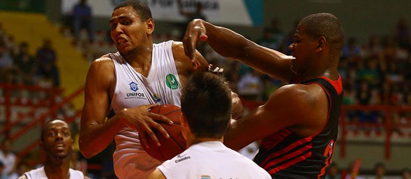 Equipe local conquista título inédito para o basquete alencarino (Foto: Luiz Pires/Divulgação)