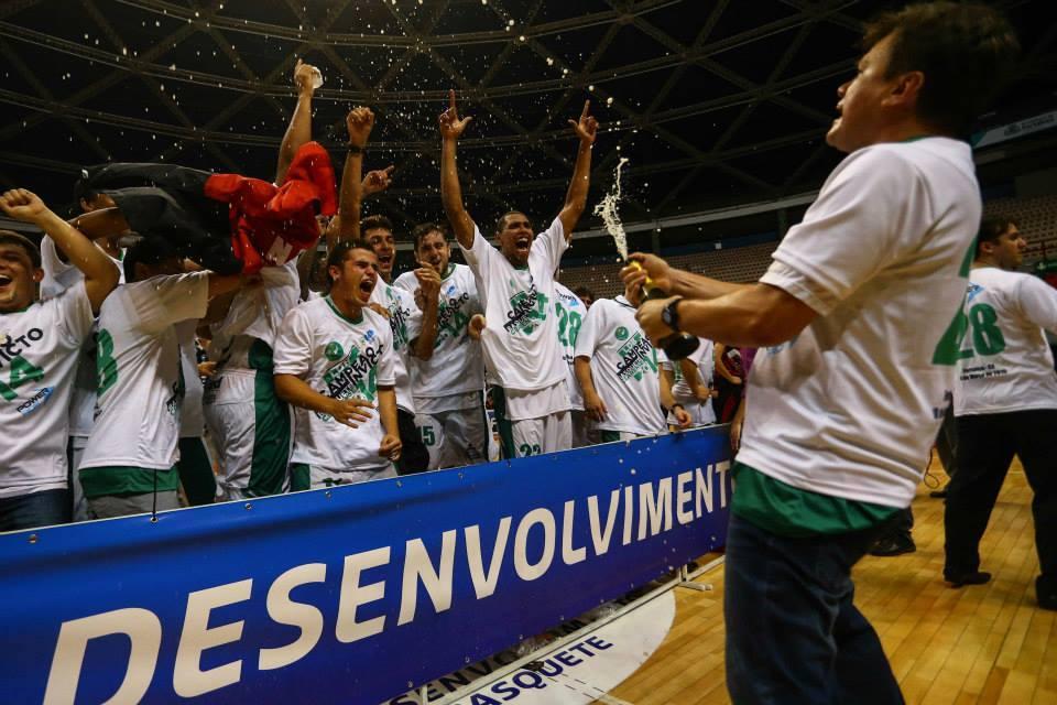 Espiga foi campeão pela primeira vez da Liga de Desenvolvimento de Basquete (LDB) (FOTO: Luiz Pires/LNB)