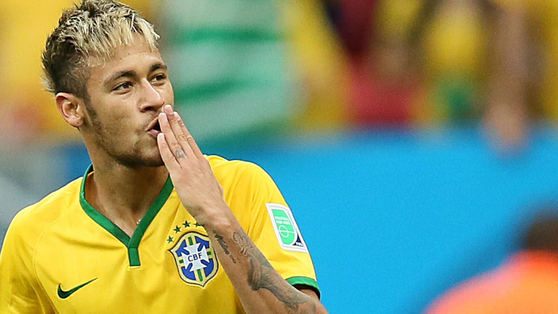 Neymar vive grande momento dentro e fora de campo. (Flávio Florido/UOL)