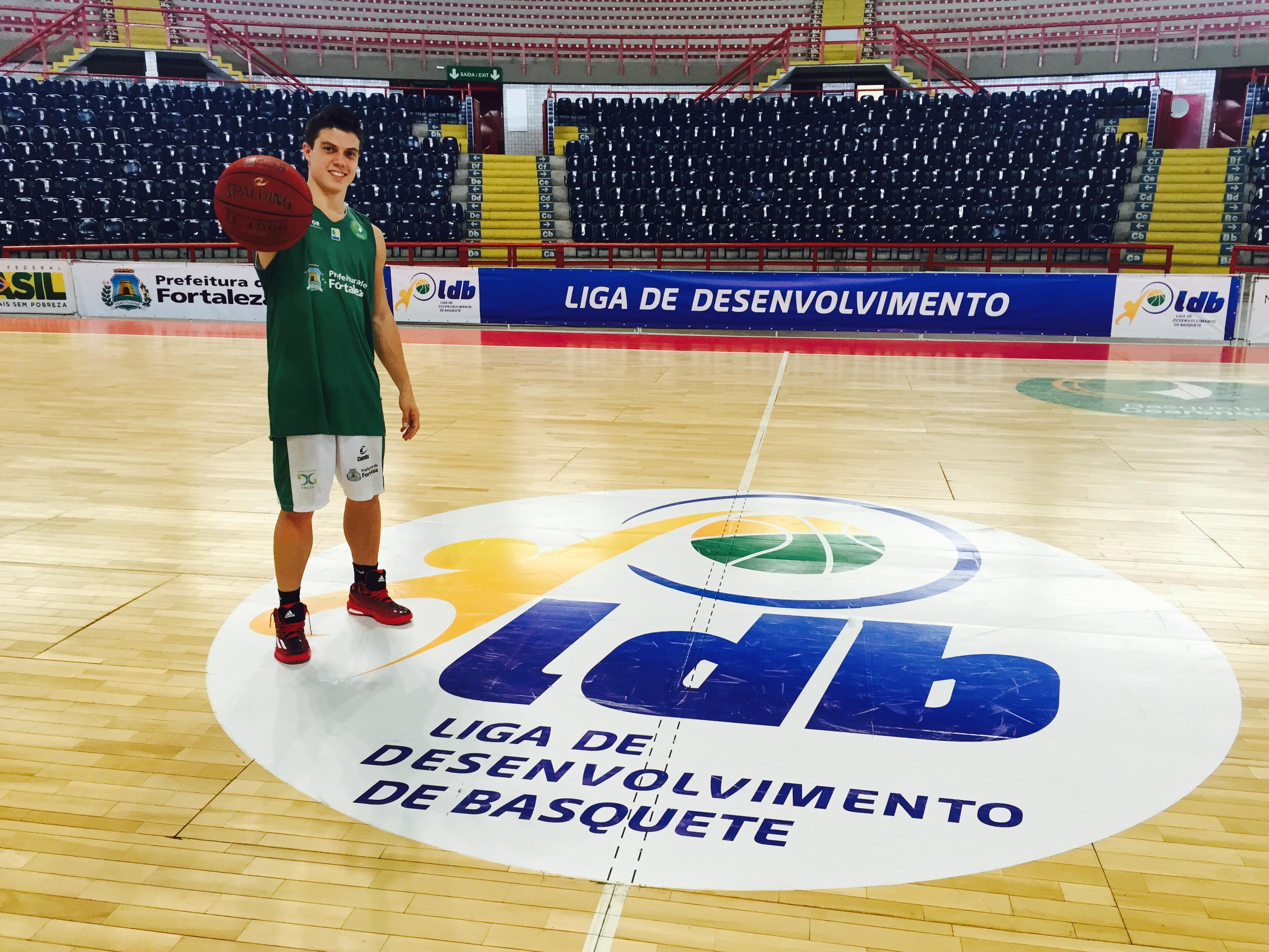 Davi Rossetto foi o capitão do time campeão na Liga de Desenvolvimento de Basquete (LDB) (FOTO: Lucas Catrib)