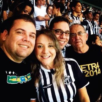Rodrigo Santiago (à esq.), torcedor do Ceará, relembra o grande momento da turma (Foto: Arquivo Pessoal)