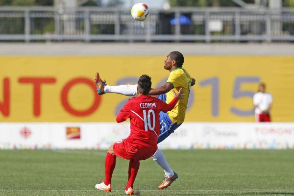 Tinga foi substituído faltando 10 minutos para o fim do jogo (Foto: Divulgação/CBF)