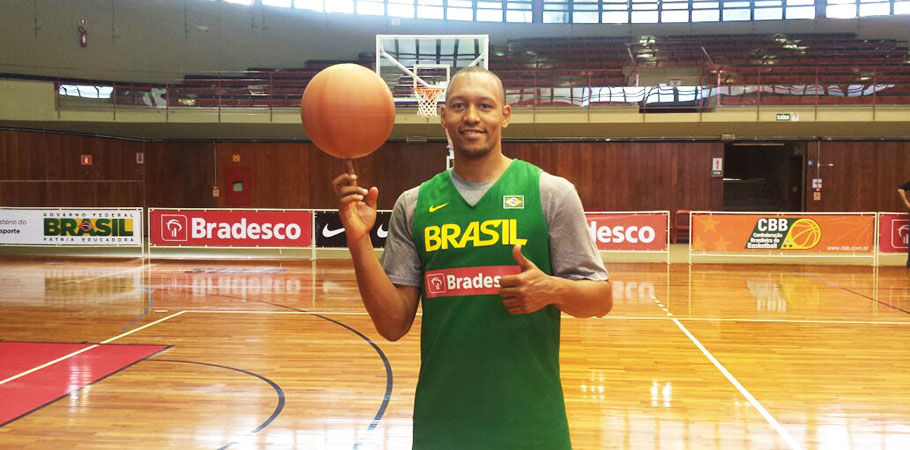 Marcus Vinícius Toledo jogou durante quase 10 anos no basquete espanhol (Foto: divulgação)