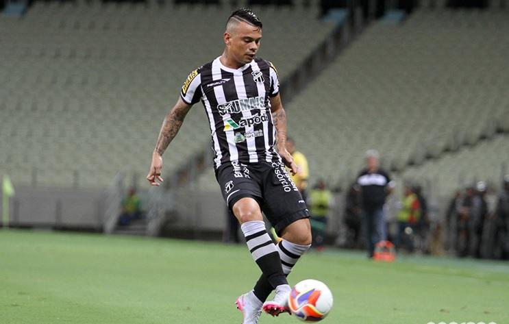 Bernardo foi expulso no segundo tempo (Foto: Christian Alekson/CearaSC.com)