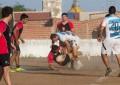 O jogadores do Aurora Rugby treinam no estádio Municipal. A equipe quase sempre divide os horários com o pessoal do futebol (Foto: arquivo pessoal)