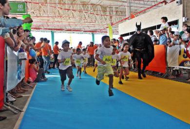 A corridinha reuniu 1.000 crianças (Foto: Divulgação)