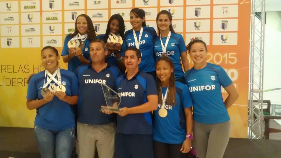 Foram 12 atletas medalhistas durante a principal competição universitária do país (Foto: arquivo pessoal)
