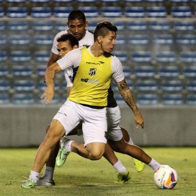 Siloé deve voltar a titularidade na equipe de Lisca (Foto: Rafael Barros / cearasc.com)