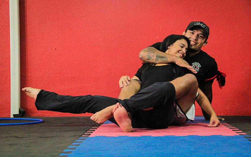 Chiquerim já é lutador profissional, enquanto a esposa convive com a dança desde a infância (FOTO: Fernanda Moura/Tribuna do Ceará)