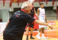 Alberto Bial comanda a equipe do Basquete Cearense (FOTO: LC Moreira)