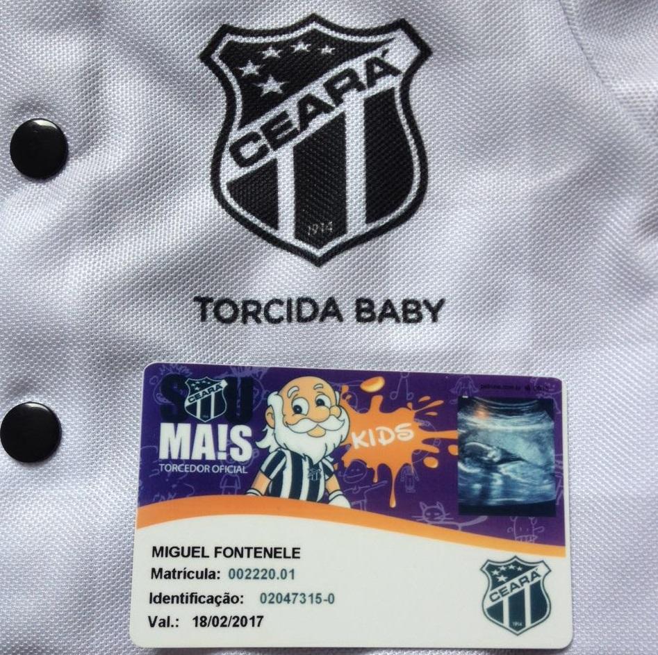 Fanáticos pelo Ceará, pais fazem sócio-torcedor de filho que ainda está na barriga da mãe