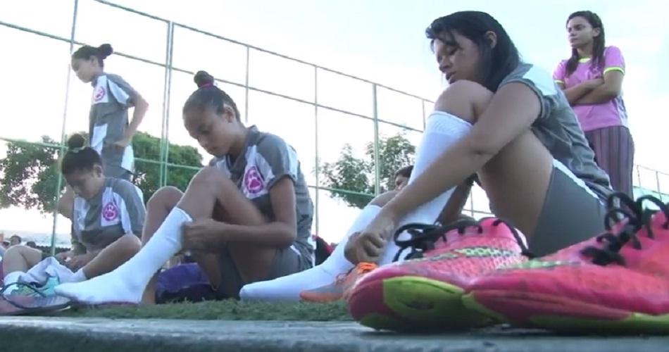 Time de futebol feminino é criado para evitar gravidez precoce em Fortaleza