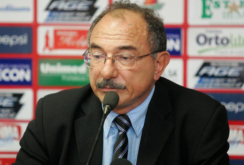 Presidente do Fortaleza reclama de mudanças de horário em jogos na Série C