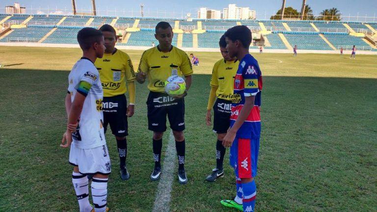 Mãe nega acusação de racismo que fez árbitro suspender jogo sub-15 no Ceará