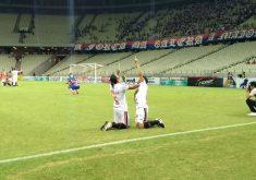 Os jogadores do Ferrovipario se emocionaram ao fim da partida(FOTO: Lyvia Rocha/Tribuna do Ceará)Os jogadores do Ferrovipario se emocionaram ao fim da partida(FOTO: Lyvia Rocha/Tribuna do Ceará)