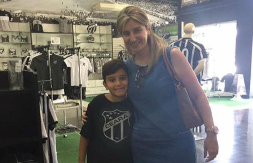 """Filho de fãs do Fortaleza confessa torcer """"escondido"""" pelo Ceará e ganha camisa alvinegra"""