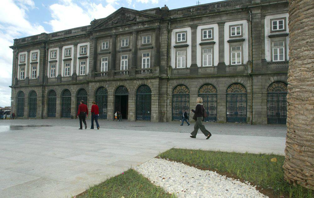 Reitoria da Universidade do Porto, opção para estudar em Portugal (FOTO: Wikimedia.org)