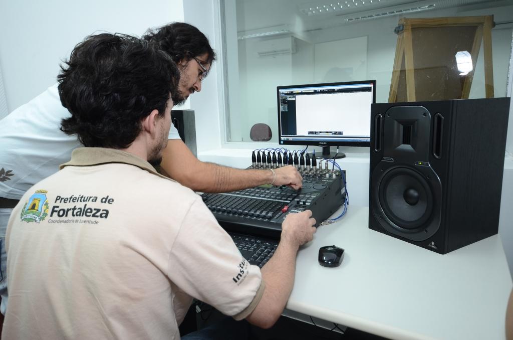 Após a conclusão dos cursos, os alunos vão receber certificação do Instituto de Artes e Técnicas em Comunicação - IATEC (FOTO: Divulgação)