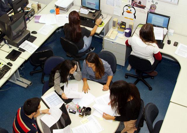 Os universitários terão a oportunidade de atuar e contribuir, desde seu primeiro dia na companhia, para o sucesso do negócio (FOTO: Divulgação)