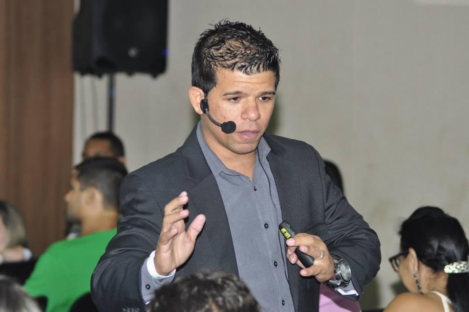 O mercado está aberto para pessoas inovadoras e qualificadas, reforma o coach Ramon Pessoa (FOTO: Reprodução)