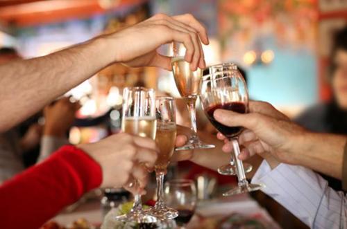 Veja 10 atitudes que devem ser evitadas na festa da firma