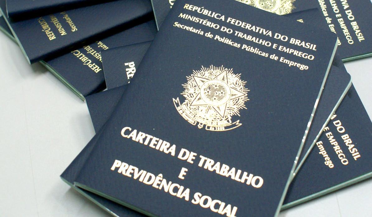 Confira a lista de empregos em Fortaleza; há mais vagas para teleoperador e atendente de farmácia
