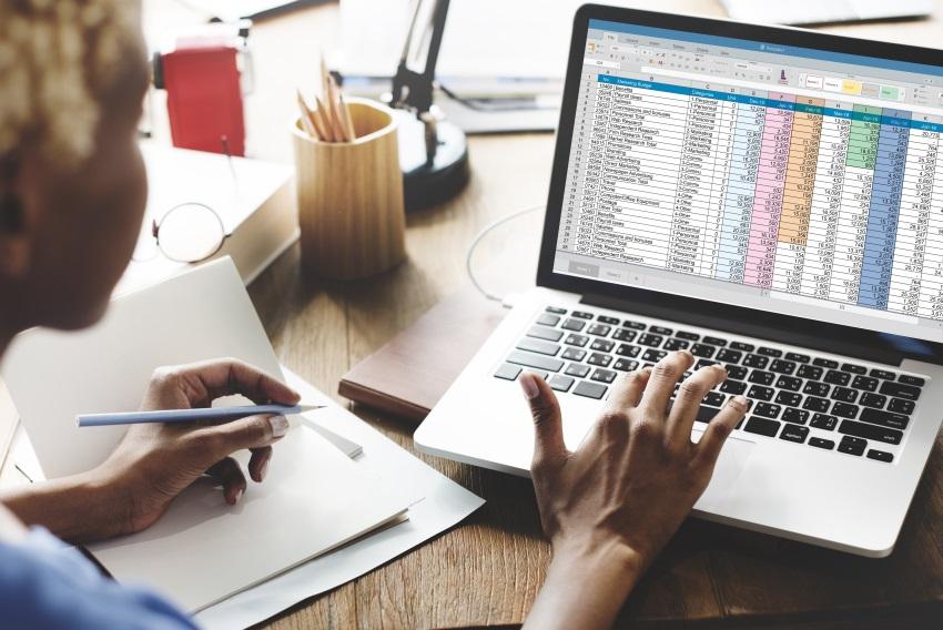 Centro Acadêmico realiza aulas de capacitação em Excel
