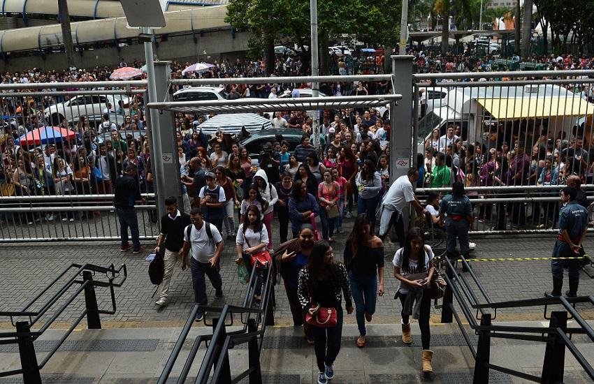 Para candidatos do Enem no Ceará, portões abrem às 11 horas e fecham às 12 horas