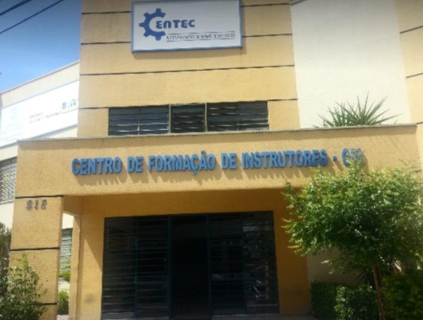 Centec oferece 6 pós-graduações em Quixeramobim e Juazeiro do Norte