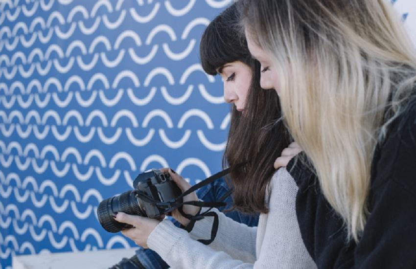Empoderamento feminino é tema de concurso fotográfico para estudantes