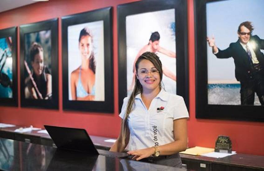 Rede de resorts oferece vagas de emprego para deficientes em Fortaleza e Caucaia
