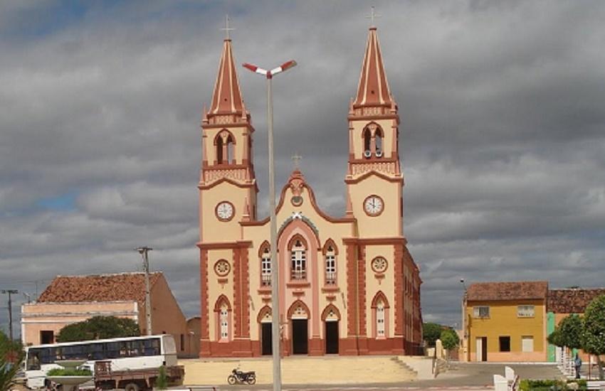 Concurso em Lavras da Mangabeira oferece salários de até R$ 4 mil