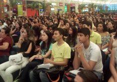 Estudantes em referência a Projeto oferece aulões gratuitos de preparação para o Enem