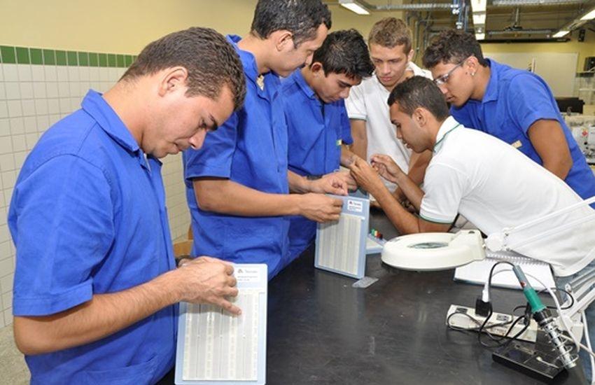 Senai Ceará oferece mais de 2.500 vagas para cursos presenciais e à distância