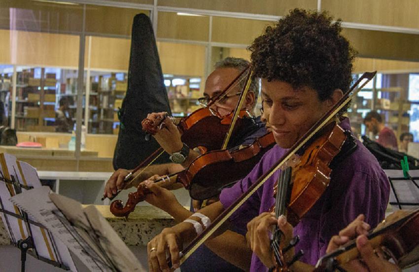 UFC abre inscrições para cursos de violino e viola para crianças, jovens e adultos