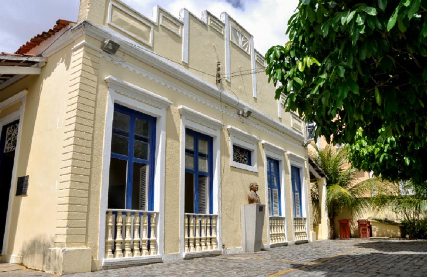 Casa Amarela abre inscrições para cursos de cinema, fotografia e animação