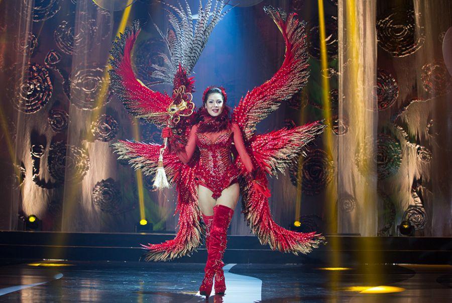 Nataly Uchôa, a Miss Amapá, teve Charles Pantoja como estilista de seu traje típico entitulado de flor brilho de fogo