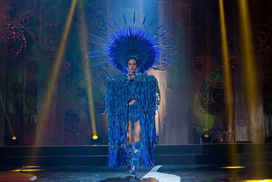 Sileimã Pinheiro, a Miss Goiás, representou a cultura e riqueza dos Carajás em modelito elaborado por Bruno Oliveira