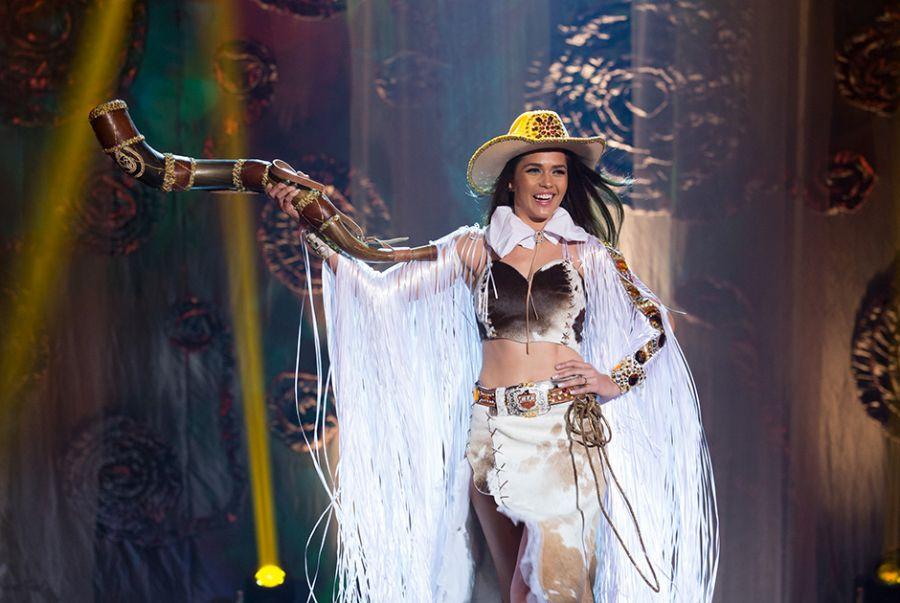 Patrícia Machry, a Miss Mato Grosso do Sul, representou a cultura do Estado com o traje Majestosa Cavalgada