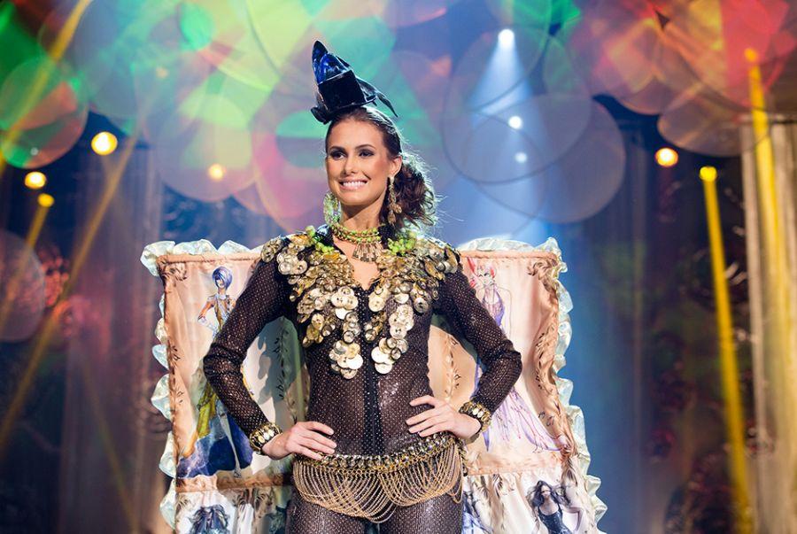 Isis Stocco Machado, a Miss Paraná, exibiu sua beleza com o traje Anatomia do Croqui