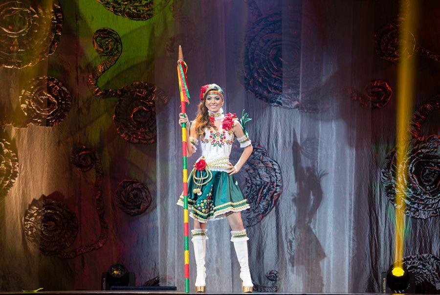 Vitória Sulczinski, a Miss Rio Grande do Sul, demonstrou toda a sua beleza com o traje Exaltação à Beleza da Mulher Gaúcha