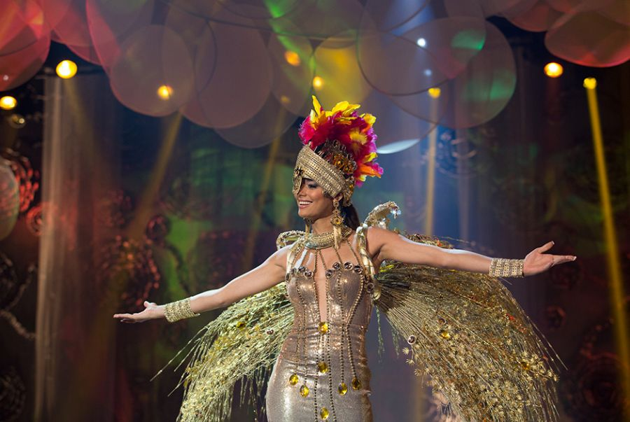 Wiolana Brito, a Miss Tocantins, fez bonito no desfile com o traje O Sol Nasce para Todos