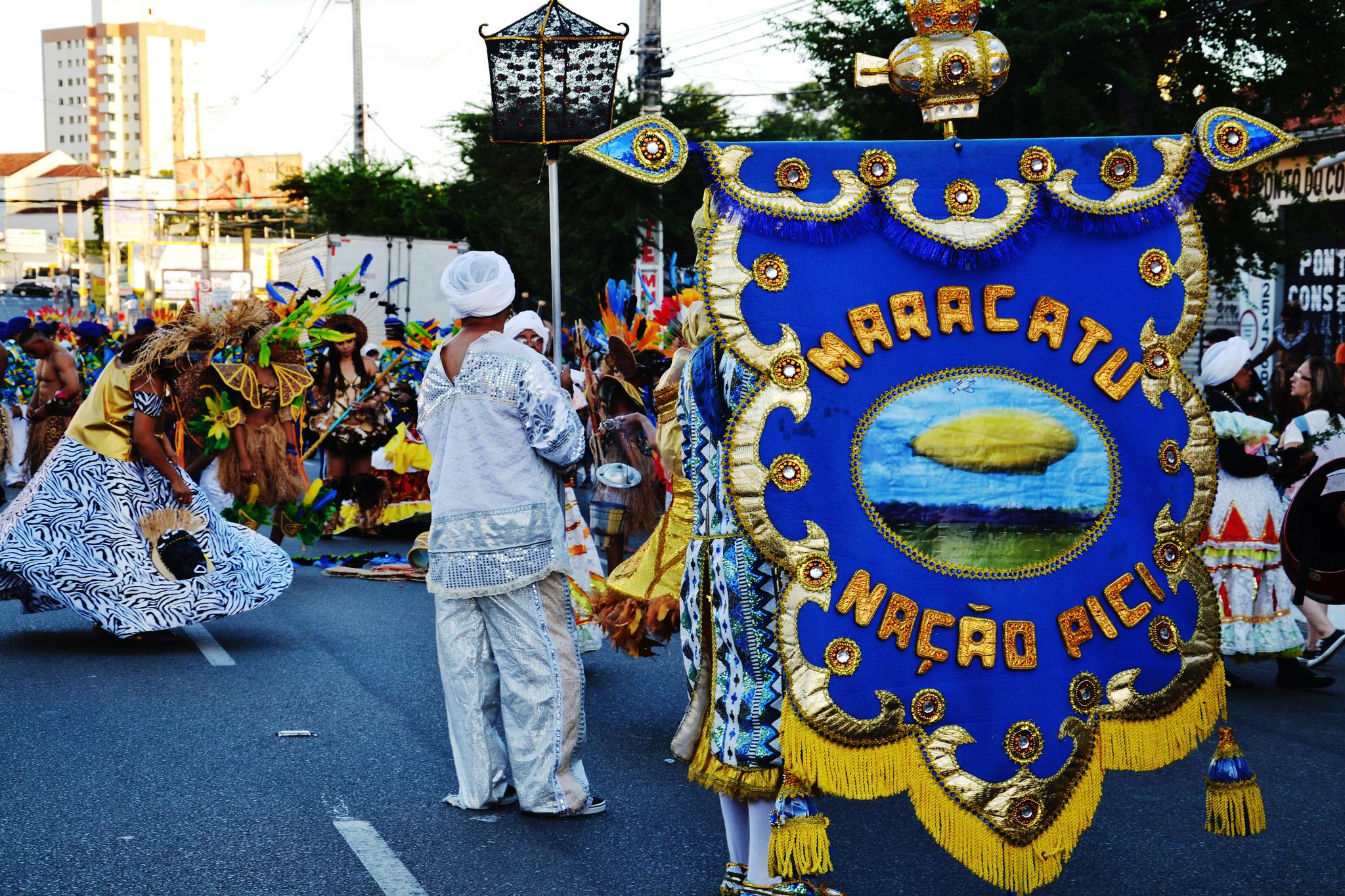 Tradicionais desfiles de Maracatu marcam o Carnaval de Fortaleza (FOTO: Louis Renard/Flickr Creative Commons)
