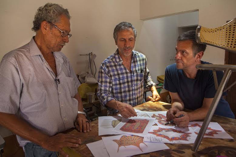 Parceria entre Espedito Seleiro e Irmãos Campana resultou em uma linha de móveis cheia de personalidade (FOTO: Fernando Lazio)